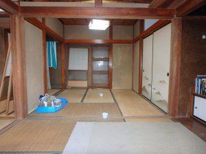 千葉県安房郡鋸南町勝山の不動産、中古住宅、海が近い、釣り別荘、4帖半の二間です