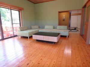 千葉県館山市神余の不動産、平家別荘、敷地広い、ドッグラン、明るくて開放感ある