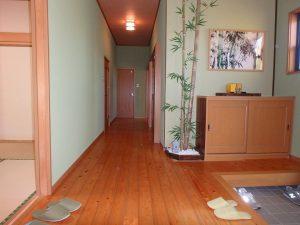 千葉県館山市神余の不動産、平家別荘、敷地広い、ドッグラン、DKを後に奥の部屋に