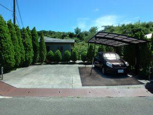 千葉県館山市神余の不動産、平家別荘、敷地広い、ドッグラン、道路側の駐車スペース