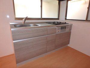 千葉県館山市船形の不動産、リフォーム済み戸建て、釣りの拠点、キッチン新設です