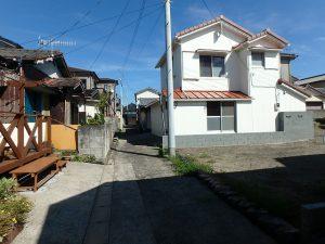 千葉県館山市船形の不動産、リフォーム済み戸建て、釣りの拠点、続いて接道です